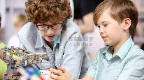 人工智能科普教育教学在中小学的实施与落地