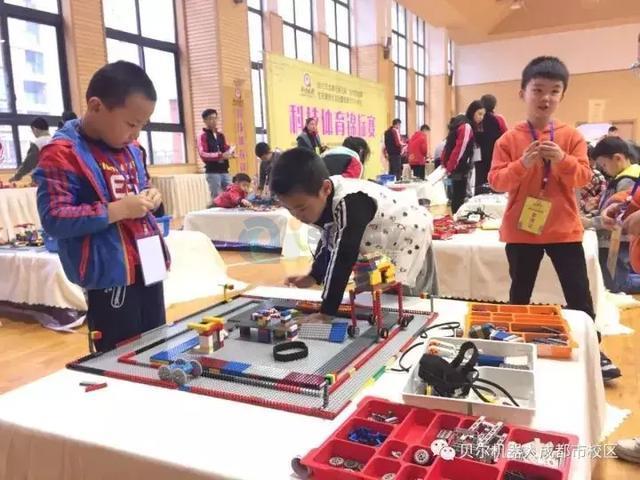 带你去了解教育机器人对孩子带来的好处