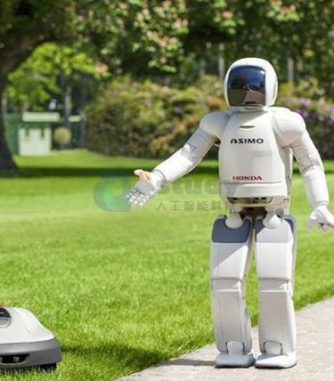 """机器人头条""""云朵""""智能机场问询引导机器人"""