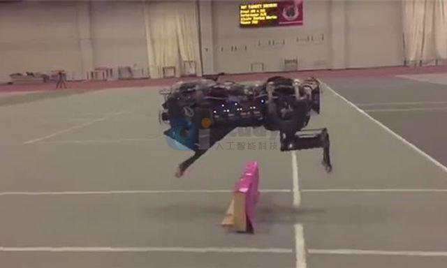 关于人工智能,机器人现在已经可以自动规避障碍物