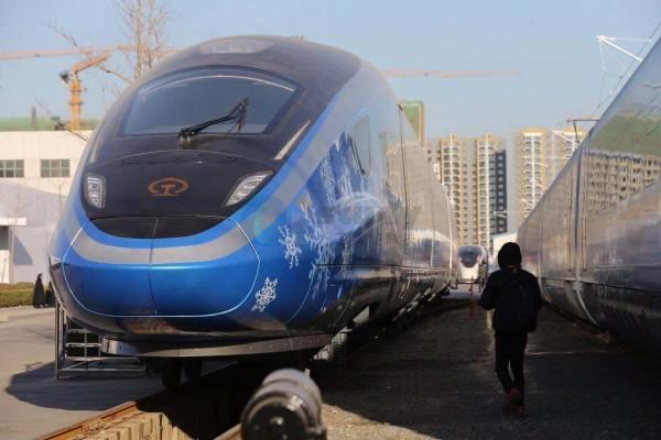 中国高铁的安全可靠性和运输效率世界领先
