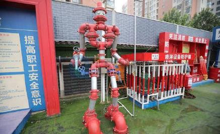 """建筑工人千元自制""""治污减霾""""机器人"""