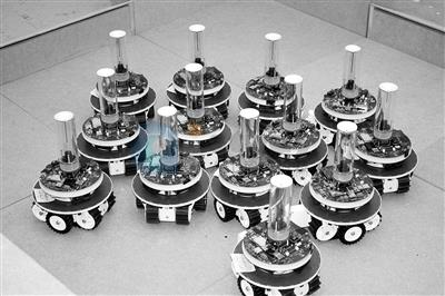 未来机器人将一起工作,互相学习