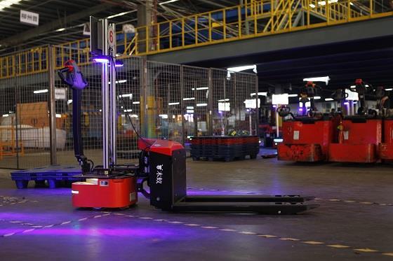 木蚁机器人入驻德邦全球最大物流分拨中心