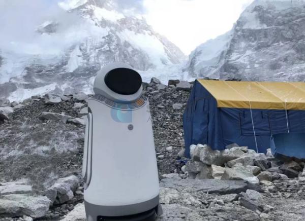 机器人也有攀登者,登顶珠峰的机器人来了!