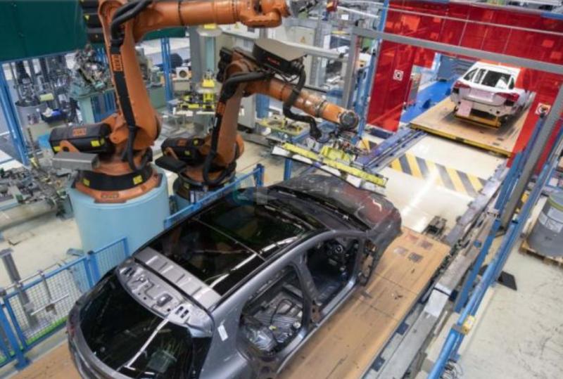 """印度加速智能制造 机器人撑起""""关灯工厂"""""""